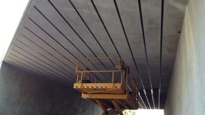 مقاوم سازی خمشی عرشه پل بتنی با لمینیت FRP
